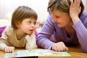 kid mom reading